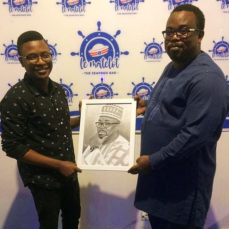 Société / 50 personnalités influentes de l'UEMOA : En signe de reconnaissance, Bo Portraits offre un tableau à Sidikou Karimou